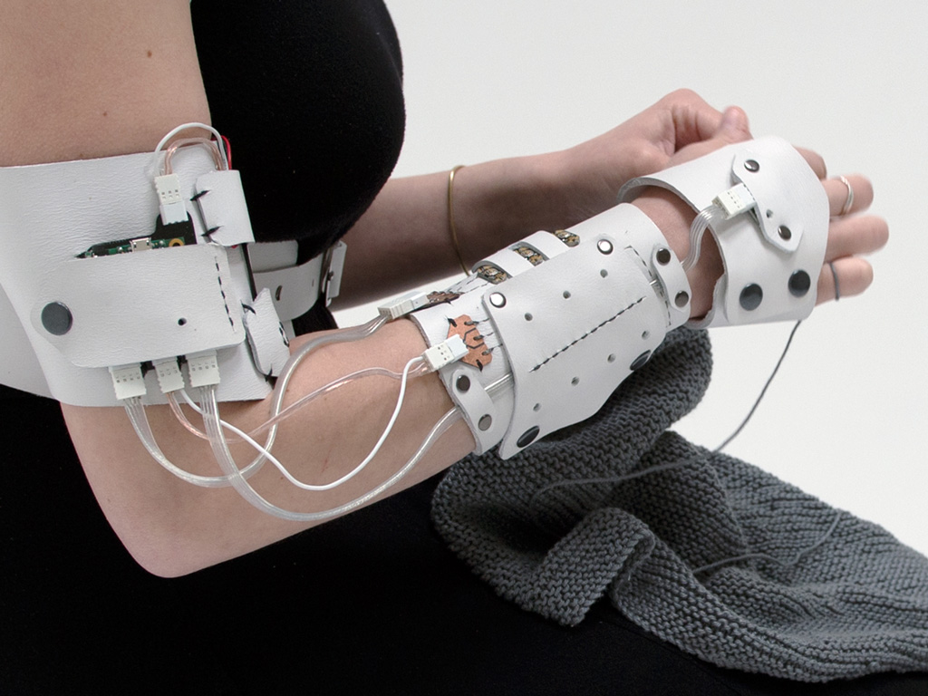cyberknitics_arm